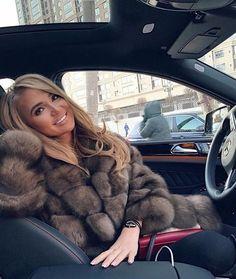 Sable Fur Coat, Fox Fur Coat, Fur Coats, Woman In Car, Fur Fashion, Womens Fashion, Sexy Women, Women Wear, Blond