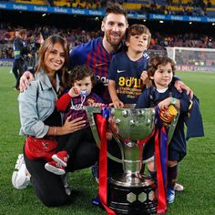 Lionel Messi seals another La Liga title for Barcelona - FinalKickOff Messi And Wife, Lionel Messi Biography, Lionel Messi Family, Antonella Roccuzzo, Do Love Spells Work, Messi Soccer, Messi 10, Messi Team, Lionel Messi Wallpapers