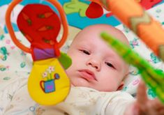 The 8 growth phases of a baby