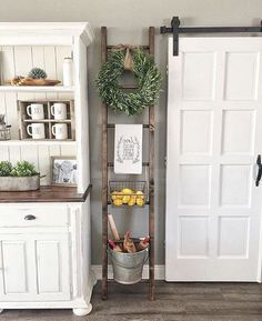 35+ Awesome Farmhouse Decoration Ideas To Bring Creative Look #farmhousedecoration #farmhousediningroom #farmhousestyle