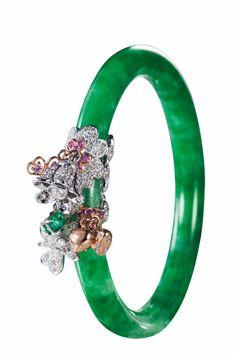 anna hu - V Jade Ring, Diamond Bracelets, Bangle Bracelets, Jade Bracelet, Anna Hu, Ladies Bangles, Jade Jewelry, Best Diamond, Schmuck Design