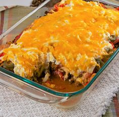 John Wayne Casserole - delicious ground beef dinner Have you ever heard of John Wayne Casserole? There's an interesting story, but what's important is that this beef and biscuit casserole is delicious! Beef Casserole Recipes, Casserole Dishes, Meat Recipes, Mexican Food Recipes, Cooking Recipes, Recipies, Cooking Chef, Dinner Recipes, Hamburger Casserole