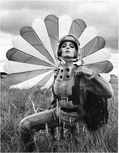 Mirella Petteni im Jumpsuit aus Saga-Nerz, Oslo, 1963  Photographer: F.C. Gundlach