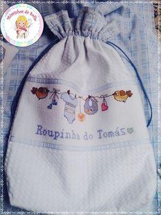 laundry cross stitch , handmade Saco muda de roupa, feito á mão Miminhos da Sofia