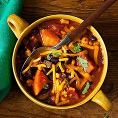 Healthy Smoky Black Bean and Sweet Potato Chili Recipe. Re-pin now, check later. #cleaneating #healthydinners