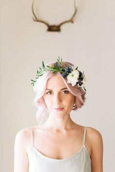 DIY Wedding Flowers: Delicate Floral Crowns for Brides, soft organic look. Order your DIY wedding flowers at . This is a softer version of the floral crown, definitely more of a delicate and organic look. Probably not well suited for the rough and Diy Flower Crown, Flower Crown Hairstyle, Flower Crown Wedding, Flower Crowns, Wedding Crowns, Hair Crown, Bridal Crown, Floral Headband Wedding, Flower Headbands