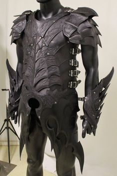 looks a little like the nightingale armor from skyrim