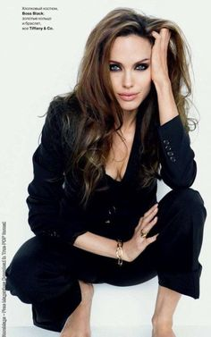 Google Image Result for http://www.thestylefolio.com/wp-content/uploads/2011/02/Angelina-Jolie1.jpg
