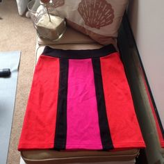Forever 21 Color Block Mini Skirt Red Pink Very cute mini skirt in good condition! Forever 21 Skirts Mini