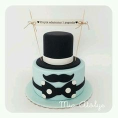 Birthday cake for a men / boy ! So cute! #mustache