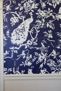 awesome blue and white peacock wallpaper via Genevieve carter