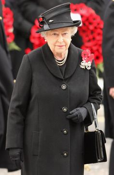 Queen Elizabeth II Photos - Remembrance Sunday - Cenotaph Service - Zimbio