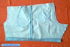 Con hilos, lanas y botones - DIY: Pantalón corto con bolsillos para niño paso a paso Indian Women Haircut, Diy Pantalones Cortos, Lana, Baby Shower, Food, Fashion, Mens Boardshorts, Men's, Models