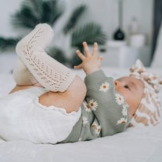 Cute Little Baby, Baby Kind, Little Babies, Little Ones, Cute Babies, Baby Girl Fashion, Toddler Fashion, Kids Fashion, Newborn Pictures