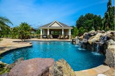 Pool landscaping. OMG I'd never go inside.