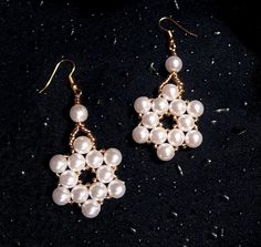 Free pattern for earrings Pearl Of The Stars Click on link to get pattern - http://beadsmagic.com/?p=6131