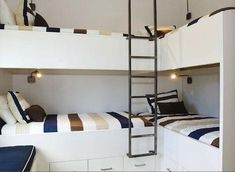 For the little house? Might be a good way to free up space.A cute bunk room for 4 - L-shaped. This would actually fit in the room.question is would anyone sleep if they're all so close together? Corner Bunk Beds, Bunk Bed Rooms, Bunk Beds Built In, Kids Bunk Beds, Bunk Bed Ideas For Small Rooms, Bunkbeds For Small Room, L Shaped Bunk Beds, Double Bunk Beds, Triple Bunk