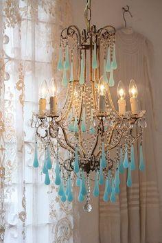 アンティークシャンデリア フランスアンティーク                   ブルーオパーリンガラスドロップシャンデリア 6灯