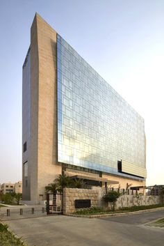 WOW architects designs vivanta by taj hotel in gurgaon
