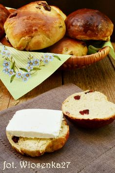 Tureckie bułeczki Bread Rolls, Camembert Cheese, Breads, Food, Rolls, Buns, Essen, Bread, Meals