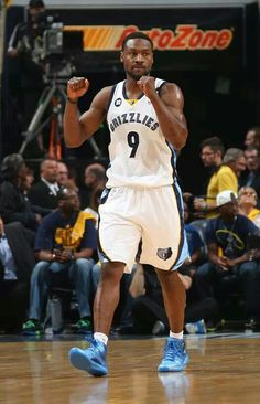 (0-1) Grizzlies 94-101 Spurs (1-0)