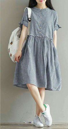 Fashion dresses - Image may contain one or more people, people standing and shoes Simple Dresses, Cute Dresses, Casual Dresses, Casual Outfits, Summer Dresses, Comfy Dresses, Dresses Dresses, Winter Outfits, Frock Fashion