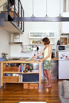 Stéphanie en su apartamento de París   Etxekodeco