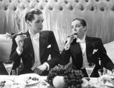 Griffith Jones and Jessie Matthews in First a Girl (1935).