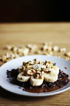 TRAVELER'S TART with DATE CRUST, CACAO-COCO DRIZZLE, BANANA SLICES & WALNUTS: NO EQUIPMENT NEEDED