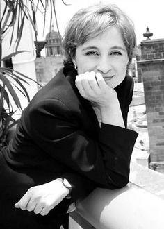 Carmen Aristegui Flores es una periodista mexicana, conductora de programas de radio y televisión.