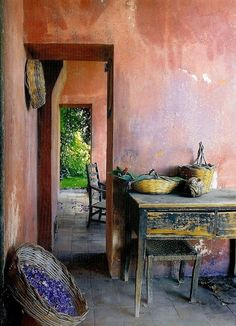 Rustic Home Interior Desgins Would you like to be better equipped next time you set out to purchase furniture for your home? Wabi Sabi, Interior Exterior, Interior Design, Interior Walls, Rustic Home Interiors, Art Interiors, Ivy House, Jolie Photo, Decoration