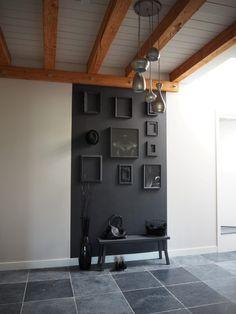 Statement in de hal Dream Home Design, Home Interior Design, Interior Styling, Hallway Inspiration, Bedroom Decor For Teen Girls, Studio Room, Dark Interiors, Black Decor, Apartment Interior