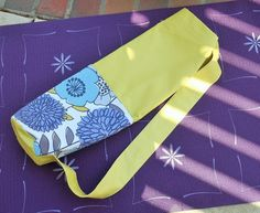 Yoga Mat Tote Bag in Pistachio Green with Lilac Gray by susiquilts, $35.00 #etsy #handmade #thehotbobbin