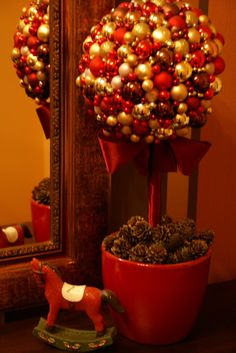 DIY christmas decor. Not in English, but the tutorial pictures make it look simple enough!