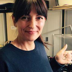 Davina McCall supports Goal 3 Good Health & Well-being Sweeping Fringe, Davina Mccall, Susanna Reid, Tv Presenters, Presentation, Wellness, Celebs, Goals, Hair Styles