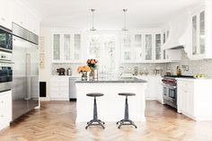 Home Tour: A Calm and Airy Home in Pacific Palisades via @domainehome