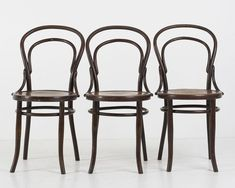 Bentwood Chairs from Mundus Vienna Austria, 1920s, Set of 3 for sale at Pamono Vienna Austria, Vintage Designs, Dining Chairs, Furniture, Home Decor, Decoration Home, Room Decor, Dining Chair, Home Furnishings