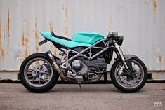 Can-Am Cafe Racer: A 2008 Ducati 848 with dual nationality Ducati 848, Ducati Motorcycles, Custom Motorcycles, Cb Cafe Racer, Modern Cafe Racer, Custom Cafe Racer, Cafe Racers, Moto Scrambler, Moto Guzzi