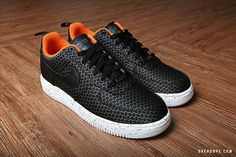 Undefeated x Nike Lunar Force 1 Pack. Just grabbed a pair