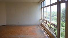 Edifício modernista, com vista para o Jardim Europa, reforma total e com 2 vagas   Special Properties   2 dormitórios, sendo 1 suíte   157m²   2 vagas   Valor de Venda: R$ 1.485.000,00   Condomínio: R$ 1.200,00   IPTU: 10x R$ 2.700,00