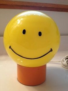 HAPPY SMILEY FACE GLOBE LAMP  60-70's VINTAGE