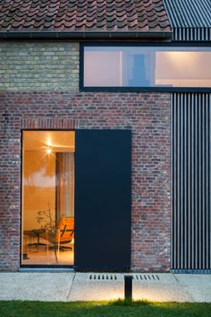 Govaert & Vanhoutte Architects Composed a Breathtaking Facade for the Former Barn House Detail Architecture, Brick Architecture, Amazing Architecture, Contemporary Architecture, Brick Extension, Best Barns, Brick Facade, Genius Loci, Small Buildings