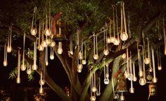 Wunderschön: Lichterdeko für den Garten – Foto: Bonnie Tsang Photography