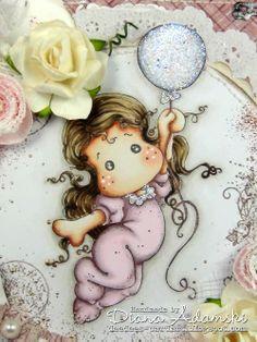 DeeDee´s Card Art: ♥ Gift Box with Sweet Tilda with Ballon ♥