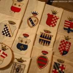 12 Emblem coming soon Embroidery Patches, Embroidery Applique, Blog Categories, Classic Paintings, Needlework, Diy And Crafts, Jewelry Accessories, Brooch, Wine Labels