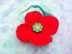 Flower Brooch, Brooch Pin, Green Button, Jacket Dress, Red Green, Hair Pins, Felt, Christmas Ornaments, Holiday Decor