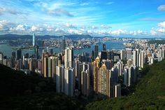 A view from Victoria Peak, Hong Kong, looking north over Central, Victoria Harbour and Kowloon Discover Hong Kong, List Of Cities, Victoria Harbour, Hongkong, May Bay, High Rise Building, Parking, Most Visited, Countries Of The World