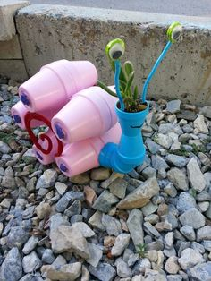 Clay pot snail, made from Terra cotta flower pots