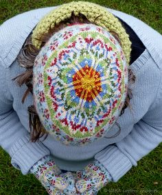 Pattern for hats and mitts on ravelry