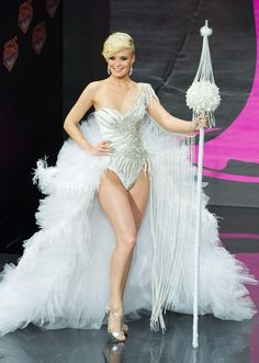 Miss Universe 2013 National Costume Show - Beauty Pageant News Miss Universe Costumes, Miss Universe National Costume, Winter Wonderland Costume, Showgirl Costume, Show Beauty, Costume Contest, Prom Dresses, Summer Dresses, Wedding Dresses